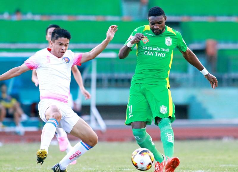 V-League khai mạc, ngoại binh Cameroon đối mặt án phạt - ảnh 1