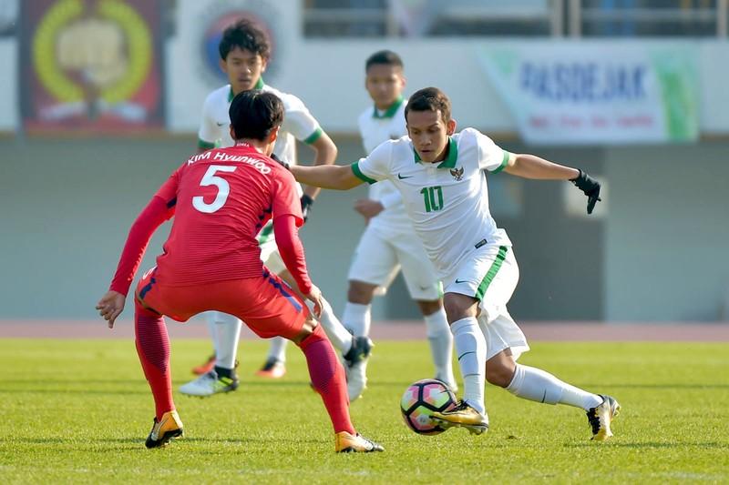 Indo gọi sao từ châu Âu về đấu U-23 VN, Ronaldo trốn triệu tập - ảnh 1