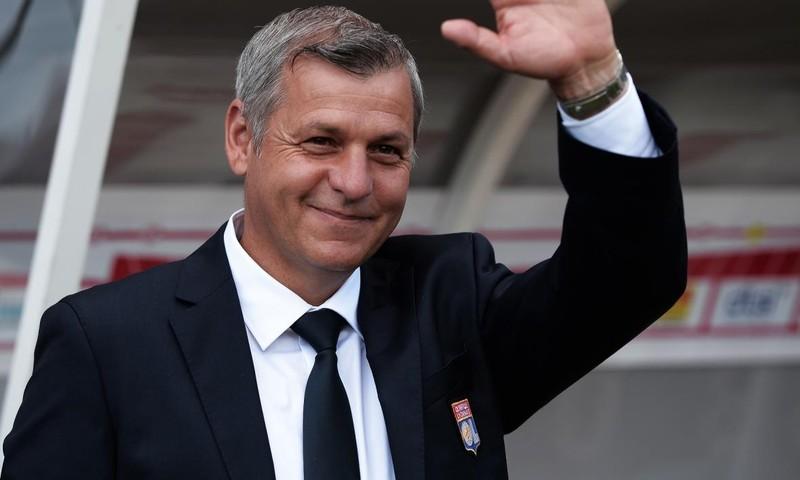Mourinho hết cơ hội nắm Lyon, FAM có quy chế nhập tịch cầu thủ - ảnh 1