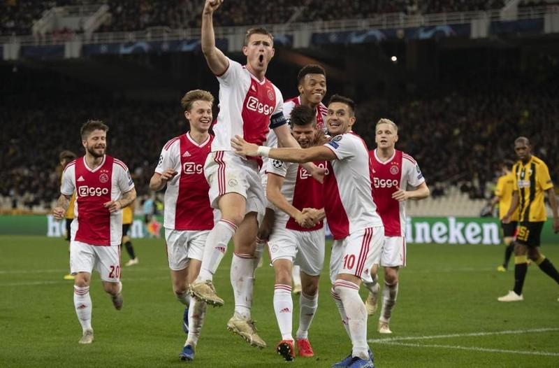 Ajax lên đỉnh bảng sau 1.060 ngày, Sarri khen ngợi Hudson-Odoi - ảnh 1
