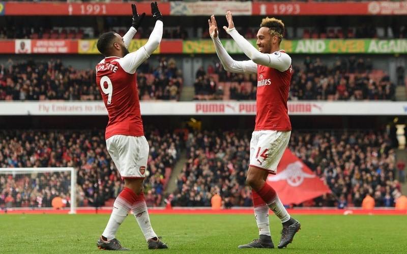 Arsenal nguy hiểm nhất Ngoại hạng Anh, Sterling gây xúc động - ảnh 4