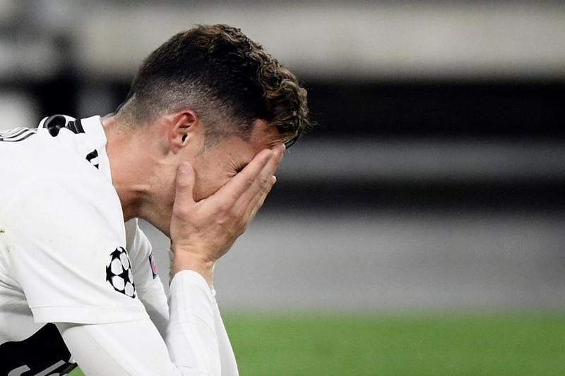'Treo còi' trọng tài rút nhầm thẻ, cổ phiếu Juventus lao dốc - ảnh 3