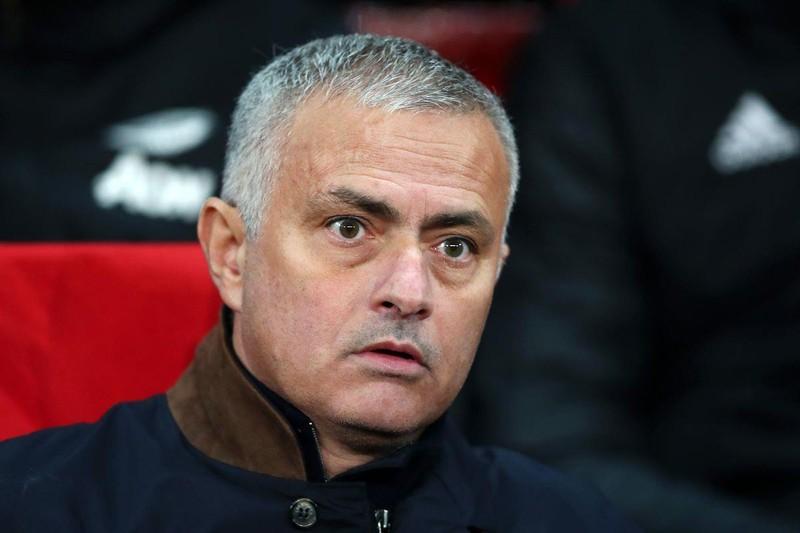 AS Roma cầu viện Mourinho, sao Liverpool lao động 3 bảng/giờ - ảnh 1