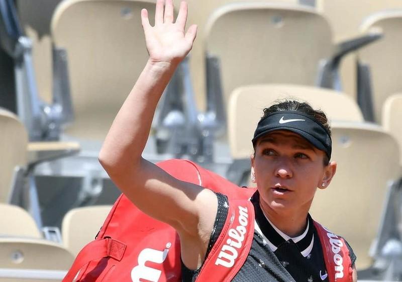 Tay vợt 17 tuổi hạ cựu số 1 thế giới, MU đón tân binh - ảnh 3