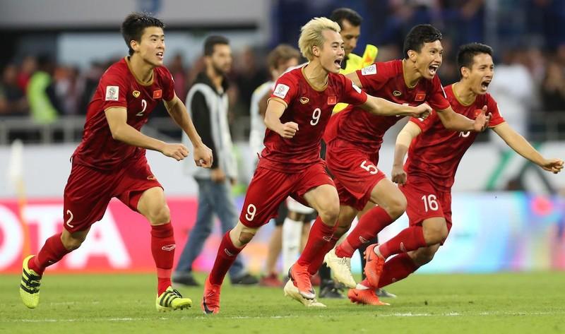 Việt Nam vượt Thái Lan 20 bậc trên bảng xếp hạng FIFA  - ảnh 1