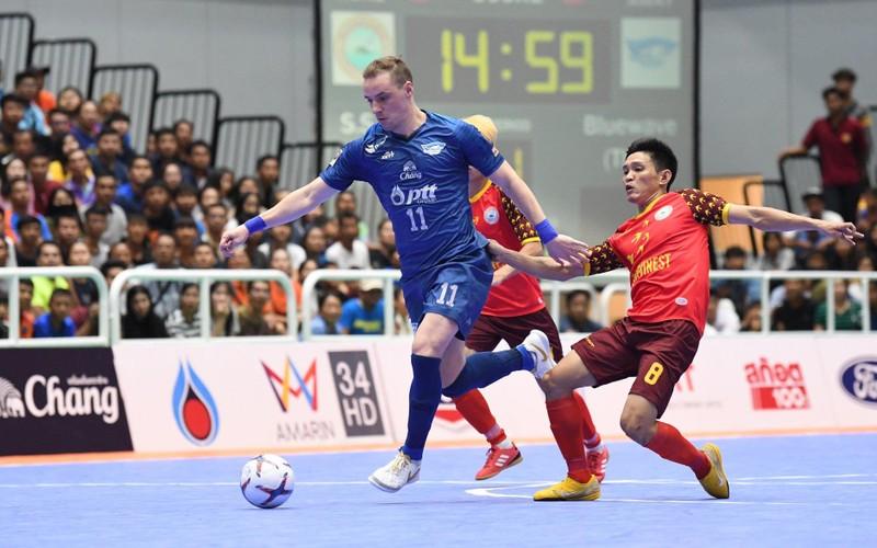 Futsal Việt Nam thua đậm Thái Lan; Sao trẻ MU đòi tăng lương - ảnh 4