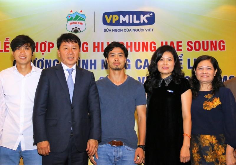 HLV Chung Hae-soung phát biểu 'đụng chạm' bầu Đức - ảnh 2