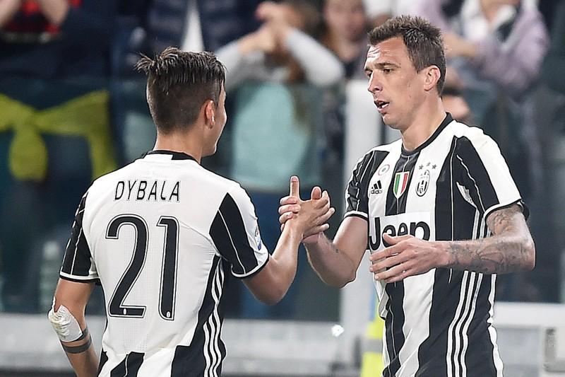 Có Mandzukic, MU hủy mua Dybala; Van Dijk đứt chuỗi kỷ lục - ảnh 1