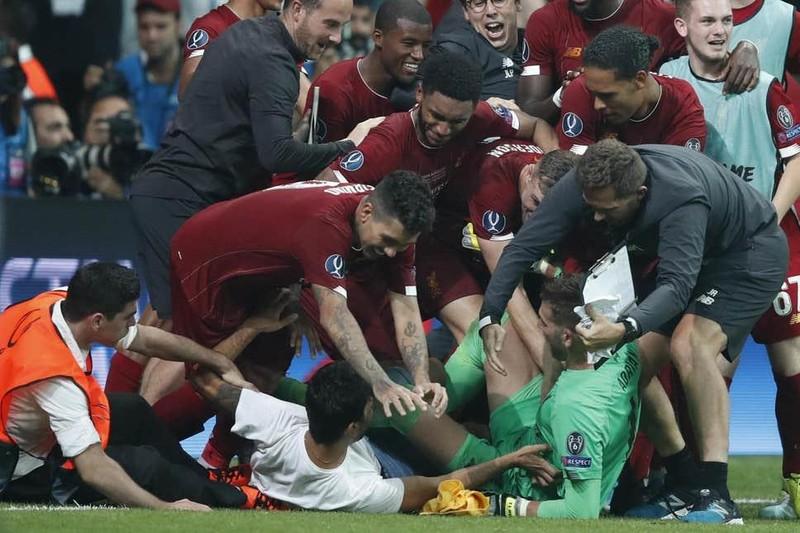 Mất Hazard, Zidane 'vỗ về' Bale; Liverpool khủng hoảng thủ môn - ảnh 3