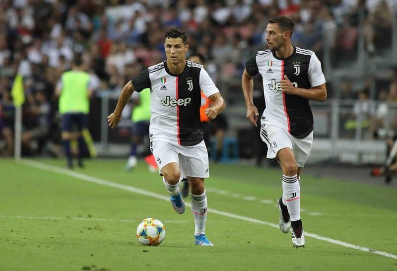 Ribery đút túi 8 triệu euro; Ronaldo mập mờ chuyện treo giày - ảnh 6