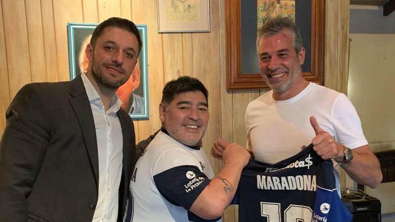 Maradona dẫn dắt CLB lâu đời nhất châu Mỹ; Messi sẽ bỏ Barca - ảnh 3