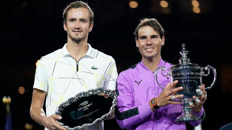 Thắng kịch tính Medvedev, Nadal tiến gần kỷ lục của Federer - ảnh 3