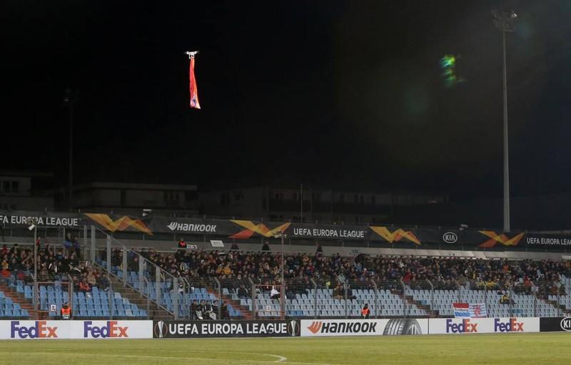 CĐV Indonesia dọa tẩy chay trận tiếp Việt Nam; Nadal rút lui - ảnh 4