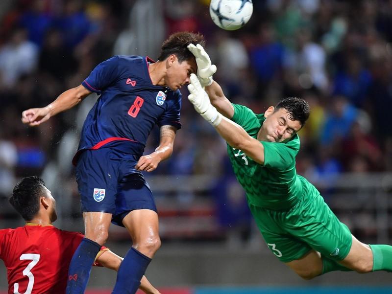 Việt Nam, Thái Lan cùng thăng hạng FIFA; Bắt 6 CĐV Bulgaria - ảnh 1
