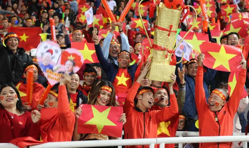 Mỹ Đình, sân khách đầy giông bão với UAE; Chung kết U-21 QG - ảnh 1