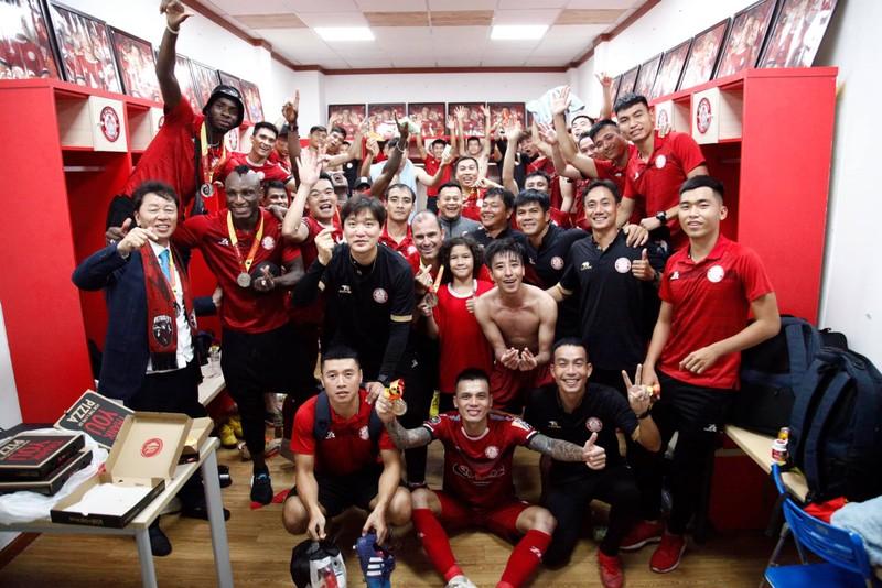 Đồng hương thầy Park là HLV hay nhất V-League; UAE gặp rắc rối - ảnh 3