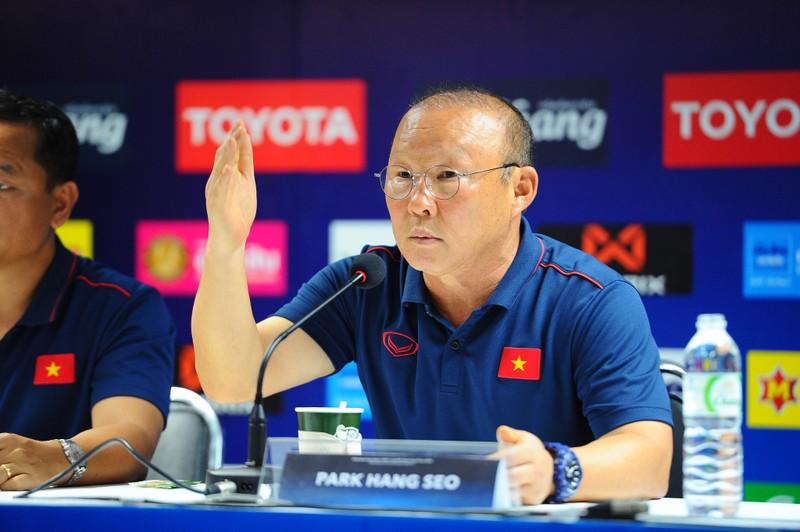 Thầy Park cảm ơn CĐV Việt Nam; Son Heung-min thoát thẻ đỏ - ảnh 1