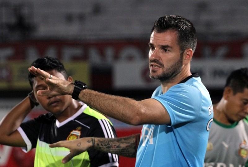 Thầy Park cấm Thái Lan ghi hình Việt Nam; Wenger tố cáo Bayern - ảnh 3