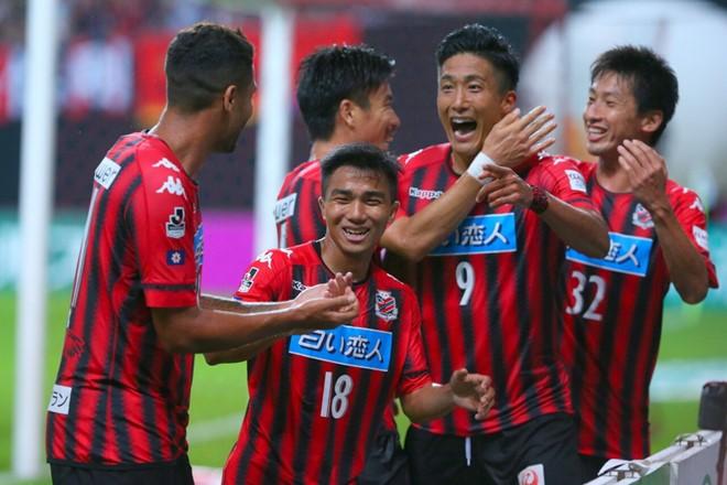 FIFA chúc mừng thầy Park, Quang Hải; bầu Hiển giải cứu CLB nữ - ảnh 3
