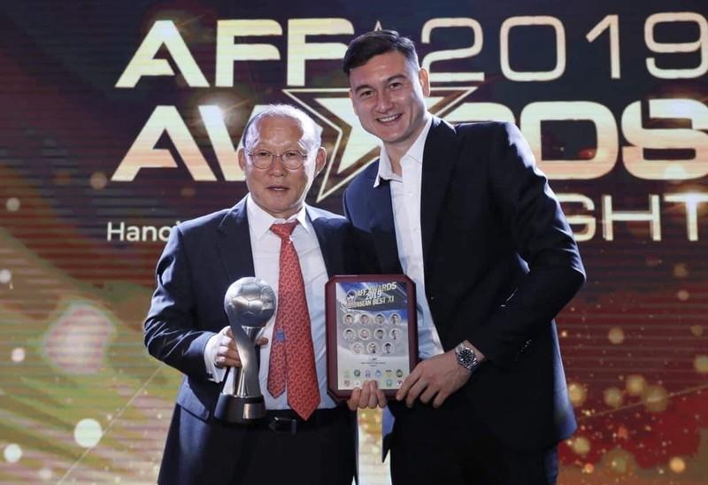 FIFA chúc mừng thầy Park, Quang Hải; bầu Hiển giải cứu CLB nữ - ảnh 2