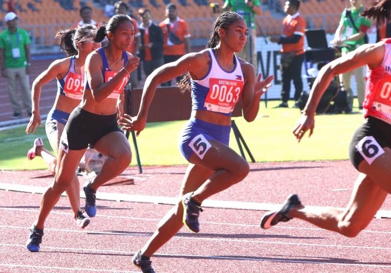Knott phá kỷ lục 200 m, 'ngôi hậu' của Lê Tú Chinh lung lay - ảnh 4