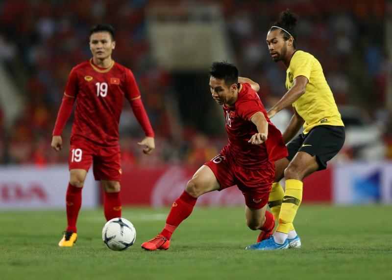 Đối thủ của U-23 Việt Nam mất thêm chủ lực; Mourinho ca thán - ảnh 4