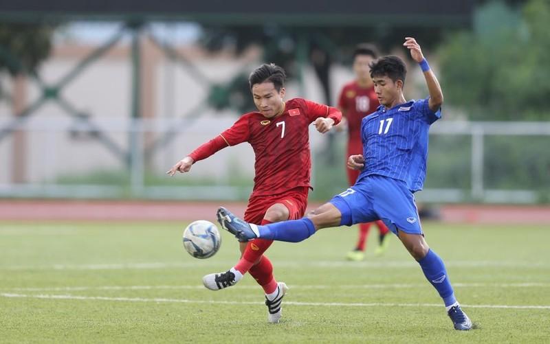 Lương của Văn Hậu là bất hợp lý; U-23 Thái Lan mất 'thần đồng' - ảnh 5