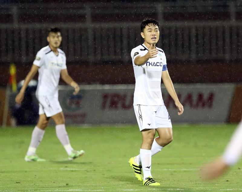 Xuân Trường từ Hàn về đấu Cúp Quốc gia; Quỷ đỏ kiện The Sun - ảnh 2