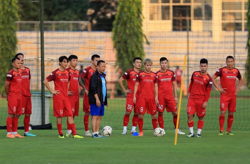 Tuyển Việt Nam hội quân tại TP.HCM; FIFA cảnh cáo Thái Lan - ảnh 4