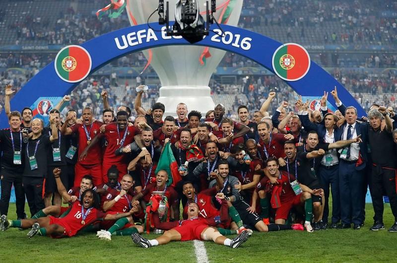 Văn Lâm sắp rời Thai-League; UEFA phán quyết về EURO - ảnh 5