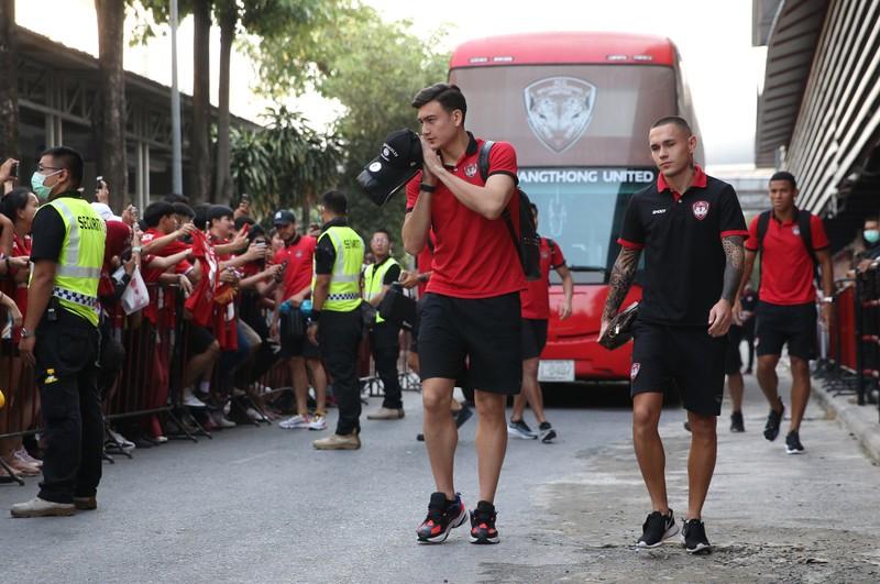 Văn Lâm bị động vì Thai-League, cầu thủ tiêu cực đấu hạng Nhất - ảnh 6
