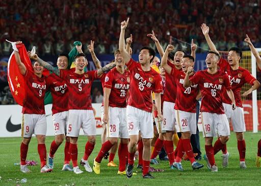 UAE mời HLV vô địch World Cup; Tiến Linh chia tay bạn gái - ảnh 6