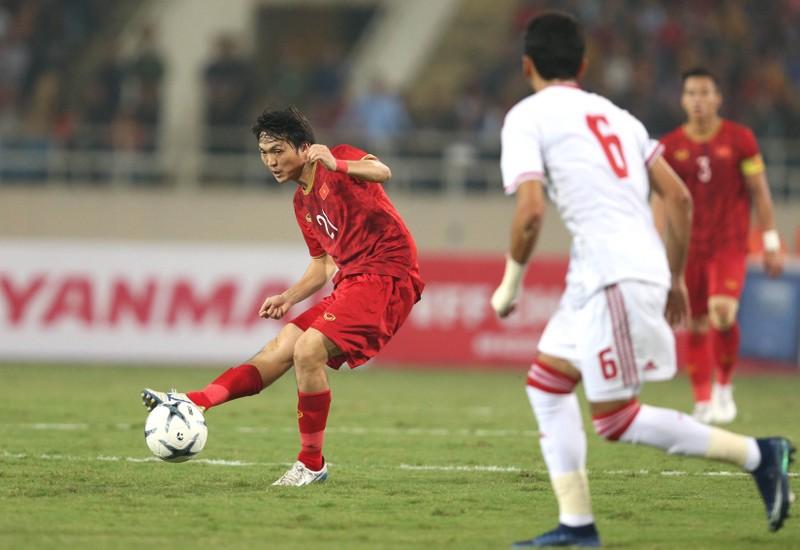 UAE mời HLV vô địch World Cup; Tiến Linh chia tay bạn gái - ảnh 3