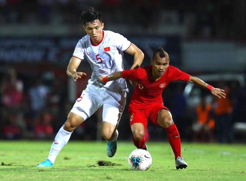Hà Nội FC buộc 'giải cứu' Văn Hậu; Cầu thủ mất mạng vì cách ly - ảnh 2