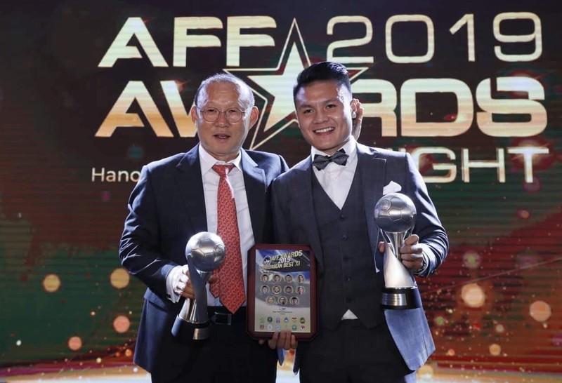 Cầu thủ Mã làm shipper mùa dịch; Việt Nam có bản quyền AFF Cup - ảnh 6