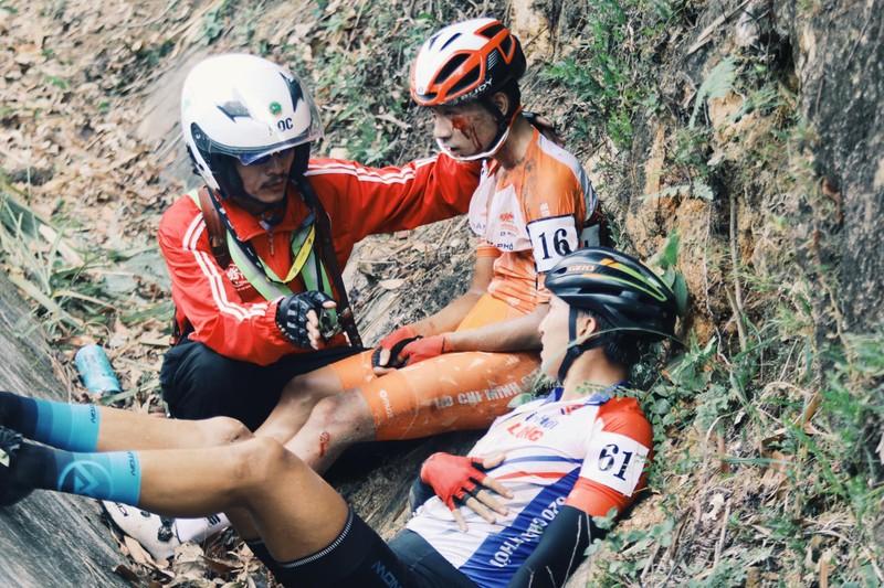 Lê Nguyệt Minh chính thức bị loại khỏi cuộc đua áo xanh - ảnh 1