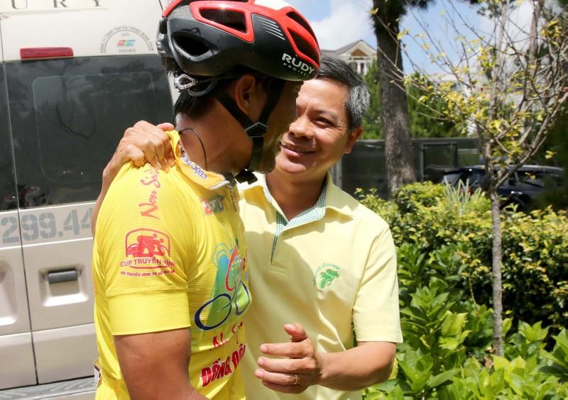 """Đội xe đạp TP Hồ Chí Minh đoạt cú """"ăn 5"""" sau đỉnh đèo Prenn - ảnh 4"""
