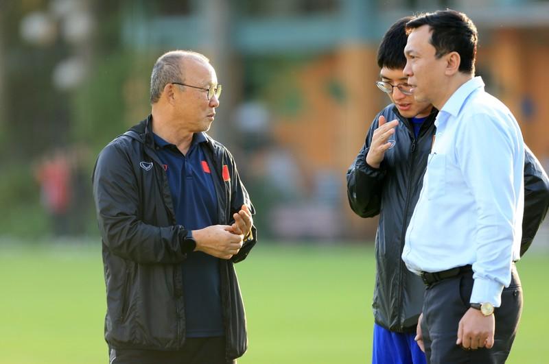 Tuyển Việt Nam triệu tập 70 cầu thủ, Man 'đỏ' treo thưởng lớn - ảnh 3