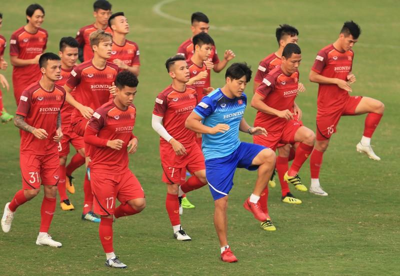 Tuyển Việt Nam triệu tập 70 cầu thủ, Man 'đỏ' treo thưởng lớn - ảnh 4