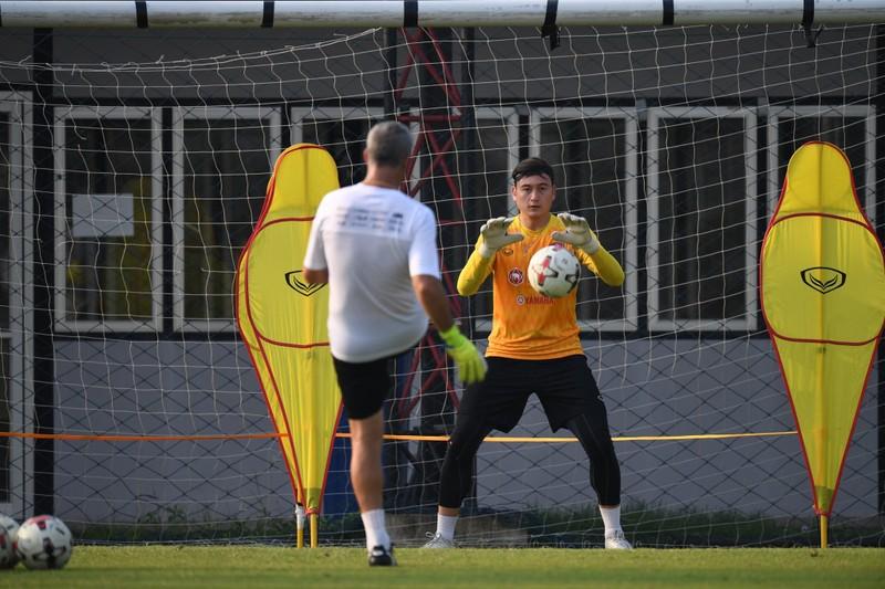 Văn Hậu chưa chắc ở lại Hà Lan; Văn Lâm từ chối đá V-League - ảnh 4