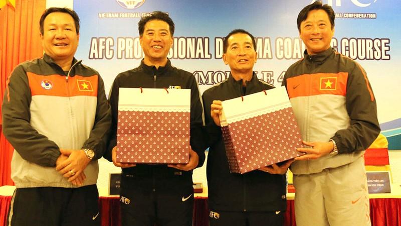 Sân Hà Tĩnh nhận án phạt cảnh cáo; Cách ly tân GĐKT của VFF - ảnh 4