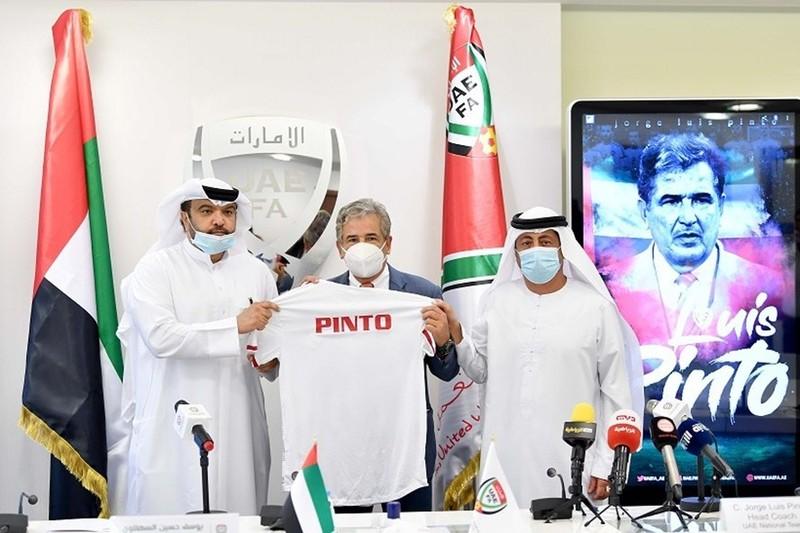 HLV Pinto nhận lệnh thắng thầy Park; Không cần kèm Công Phượng - ảnh 1