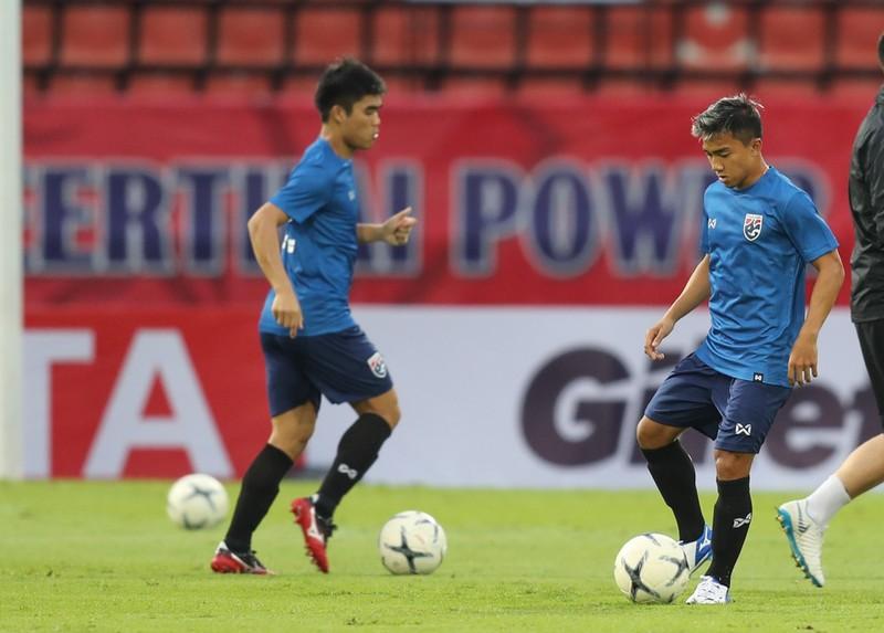 'Messi Thái' hiến kế cho tuyển Thái Lan trước thềm AFF Cup - ảnh 2