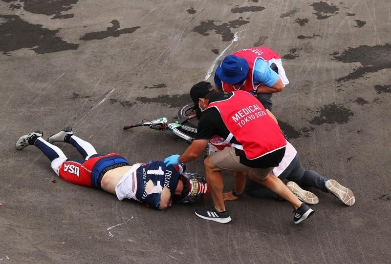 Tay đua Olympic té xuất huyết não và được chăm sóc đặc biệt - ảnh 5