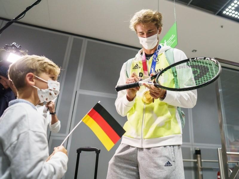 Tay vợt vô địch Olympic đang bị điều tra vì lạm dụng - ảnh 3