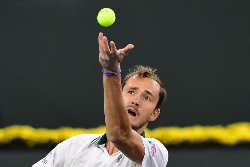 Medvedev thua ngược, Djokovic thở phào - ảnh 4