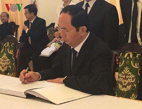 Nhiều đoàn đến viếng cố Thủ tướng Phan Văn Khải  - ảnh 8