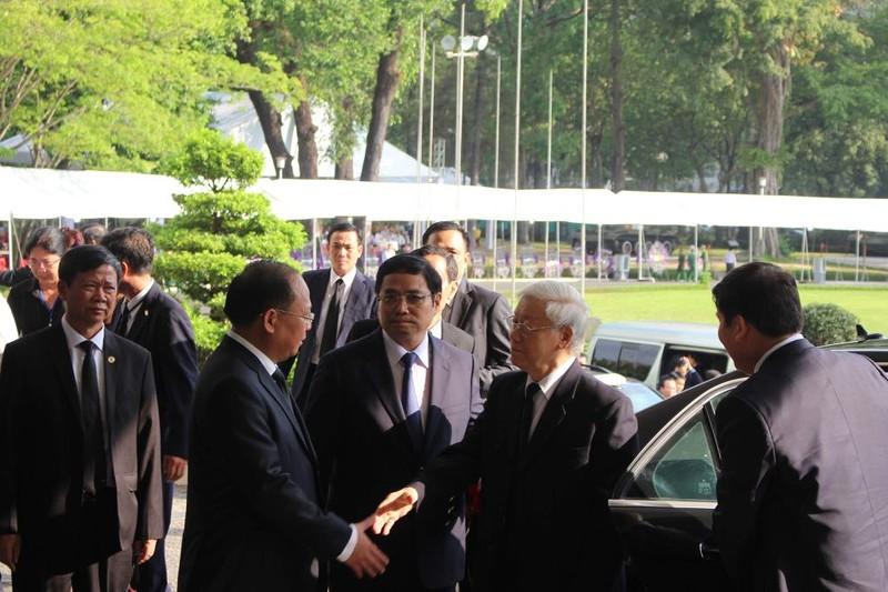 Nhiều đoàn đến viếng cố Thủ tướng Phan Văn Khải  - ảnh 10