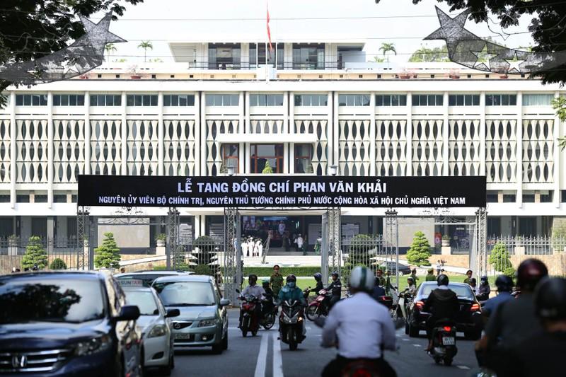 Nhiều đoàn đến viếng cố Thủ tướng Phan Văn Khải  - ảnh 16