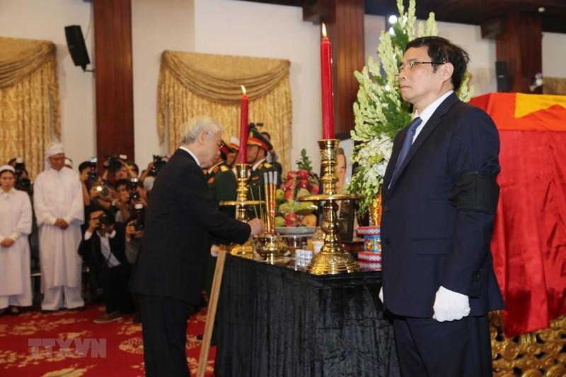 Nhiều đoàn đến viếng cố Thủ tướng Phan Văn Khải  - ảnh 3